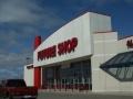 Магазин Future Shop готується до опівнічного відкриття